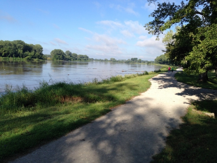 Missouri-River-Walk.jpeg